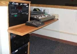 Console at Vineyard Community Church, Kingston, MA